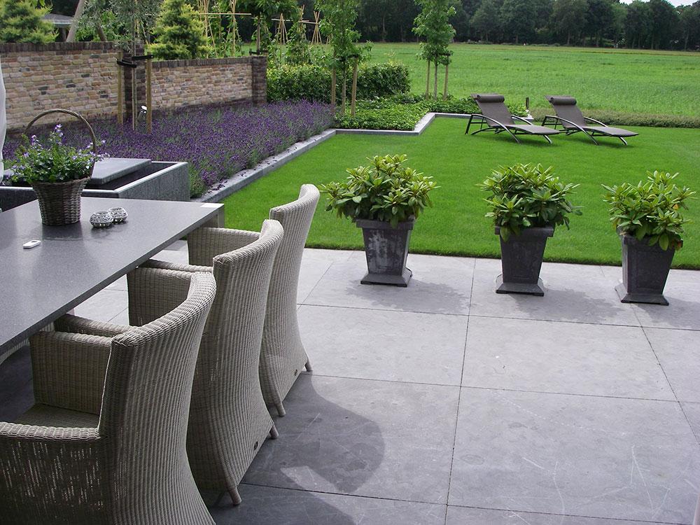 Achtertuin met uitzicht op weide van der meer ontwerper buitenruimte - Uitzicht op de tuinman ...